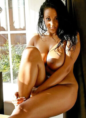 ebony girlfriend nude