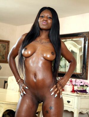 ebony large clit
