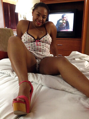 ebony huge dildo