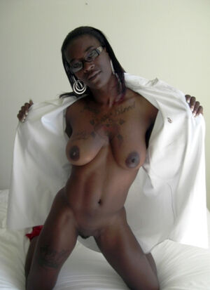 beautiful black naked pussy