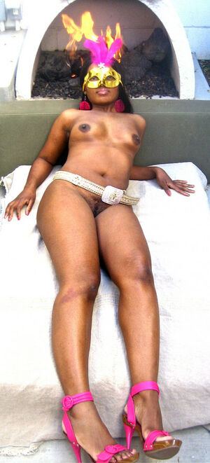 ebony riding dildo