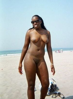 black girl nude selfies